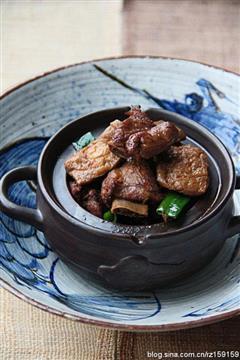 红烧排骨豆腐果