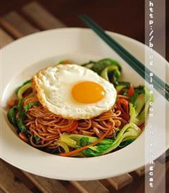 南京鸡蛋肉丝炒面