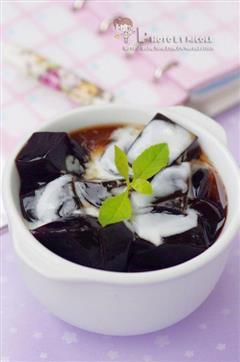蜜汁椰奶龟苓膏