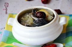 红枣银耳乌鸡汤