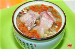 芡实淮山枸杞排骨汤