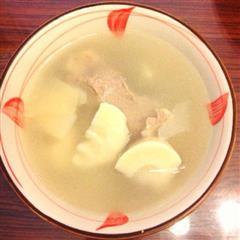 鲜美春笋排骨汤