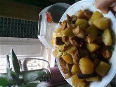 谭氏-土豆红烧肉