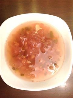 绿豆莲子银耳汤