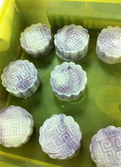 梦幻紫薯芋泥馅冰皮月饼