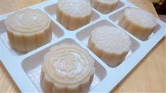 中秋自制奶黄冰皮月饼