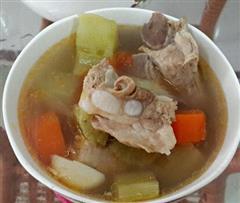 莴笋胡萝卜排骨汤