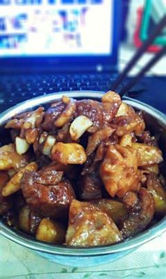 土豆莲藕红烧肉