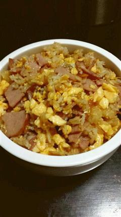 蒜香培根蛋炒饭