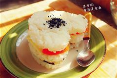"""金枪鱼""""心形""""米三明治-沙拉酱米饭的又一搭配"""