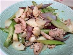 西芹百合炒肉片