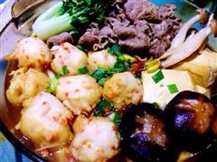 寿喜牛肉龙虾丸火锅