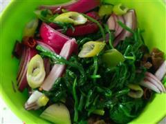 凉拌木耳洋葱菠菜