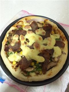 香肠蘑菇披萨