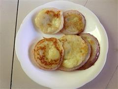 宝宝早餐    奶香土豆泥洋葱圈