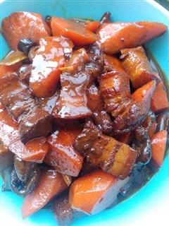 香菇胡萝卜红烧肉