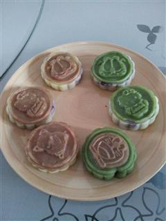 双色紫薯冰皮月饼