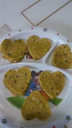 宝宝辅食-苹果芝麻鸡蛋饼