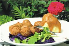 土豆泥配肉丸