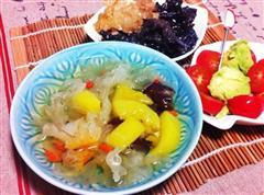 阳光早餐-红枣枸杞银耳汤 炒木耳 水果沙拉