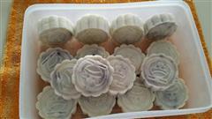 紫薯冰皮月饼