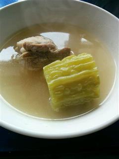 消暑苦瓜排骨汤