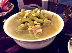 香浓苦瓜排骨汤