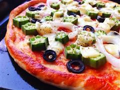 秋葵黑橄榄薄底披萨