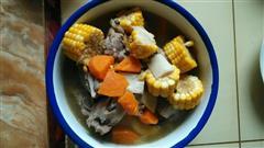 玉米胡罗卜排骨汤
