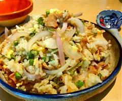 羊肉洋葱蛋炒饭