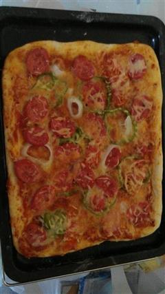 家庭自制时蔬披萨