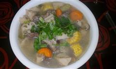 莲菜玉米排骨汤