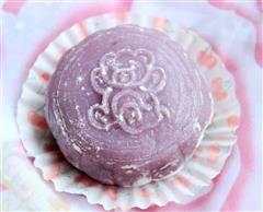葡萄干豆沙紫薯冰皮月饼