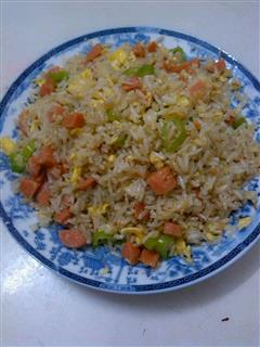 青椒火腿蛋炒饭