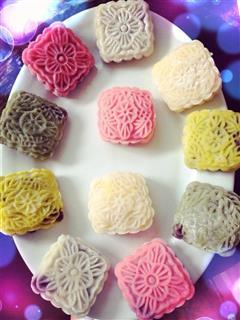 奶黄豆沙冰皮月饼