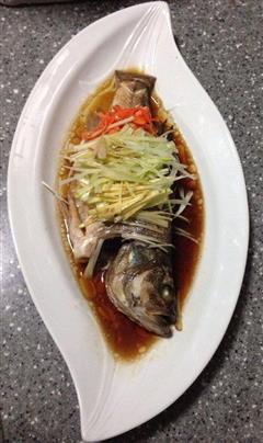 完全没有土腥味的清蒸鲈鱼