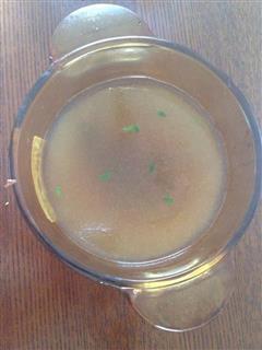一羊肚菌鸽子汤