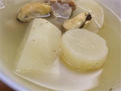 白萝卜淡菜干排骨汤