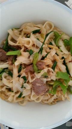 酸菜牛肉炒面