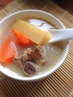 甘蔗胡萝卜排骨汤
