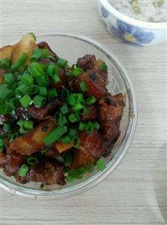 冬日里超送饭的红烧肉炖土豆