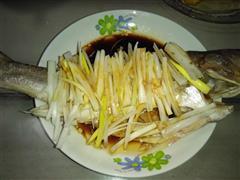 清蒸鲈鱼-鲜嫩无比