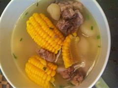 玉米葧荠排骨汤