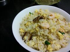 腊味虾仁蛋炒饭
