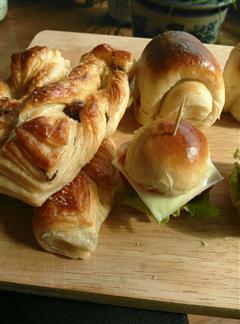 节日聚会点心拼盘-一口汉堡+丹麦酥+牛奶卷