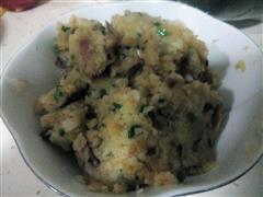 腊肉烩土豆泥