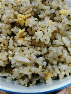 雪菜蛋炒饭