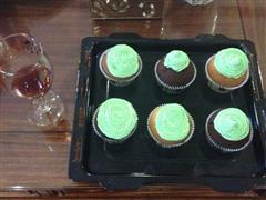 三叶草奶昔cupcake—超级软棉的杯子蛋糕