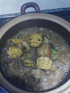 鲜鲍鱼焖红烧肉