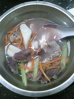 紫薯、山药排骨汤